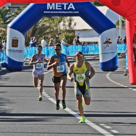 Llegada a meta 10 K Lanzarote Marathon
